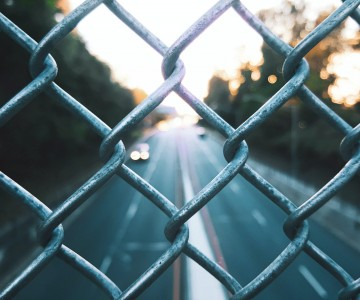 How to Choose a Wire Mesh Fence?